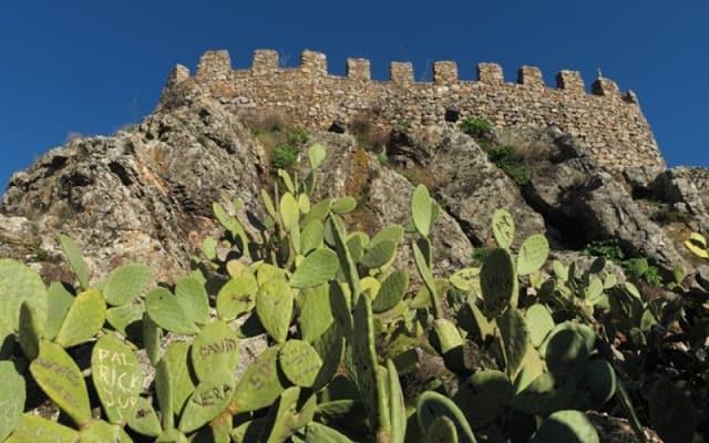 Vestígios do castelo de Penha Garcia