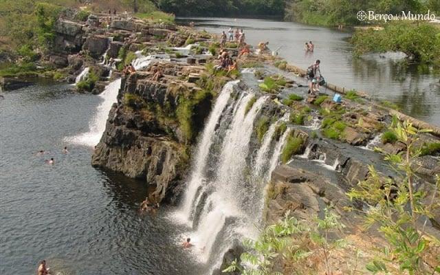 Minas Gerais é rica em cachoeiras. Esta fica na Serra do Cipó.