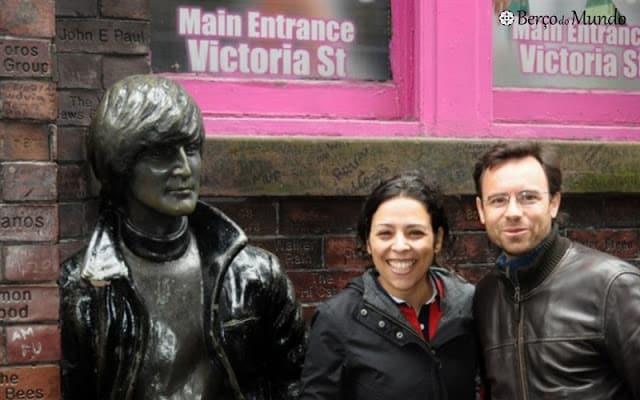 Estátuas dos Beatles estão espalhadas pela sua terra natal