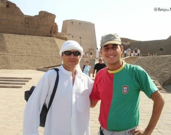 Guia no templo de Edfu