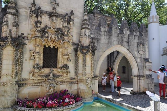 Miniatura da janela manuelina no Portugal dos Pequenitos