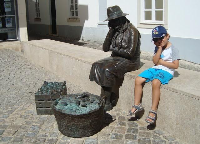 escultura nas ruas de Loulé