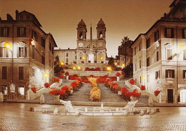 A fonte da Piazza de Spagna, em forma de barco, é igualmente de Bernini