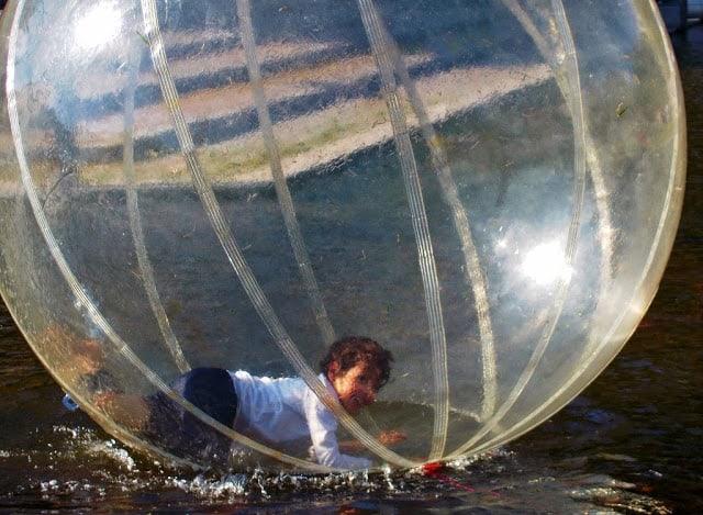 brincadeiras aquáticas para as crianças