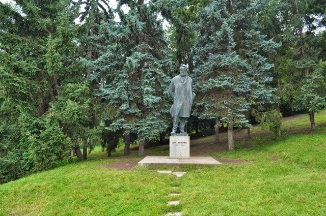 estátua de Jan Neruda