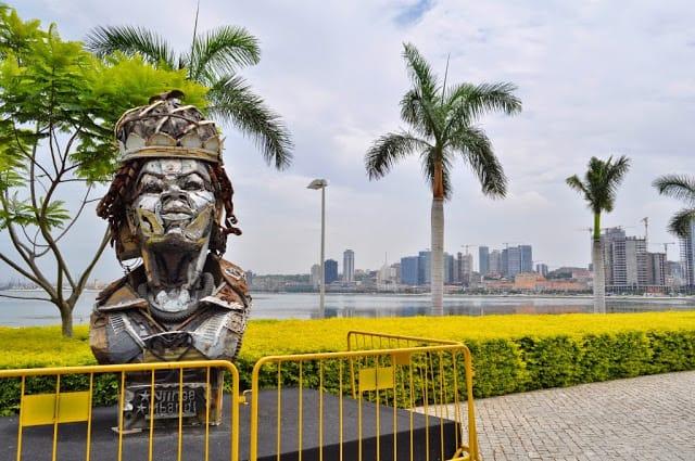 rainha Ginga na baía de Luanda