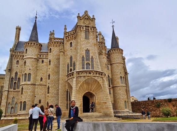 Palácio Episcopal de Gaudi