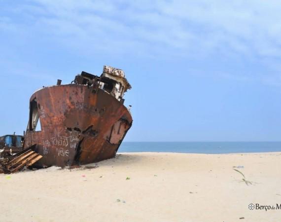 cemiterio navios Angola