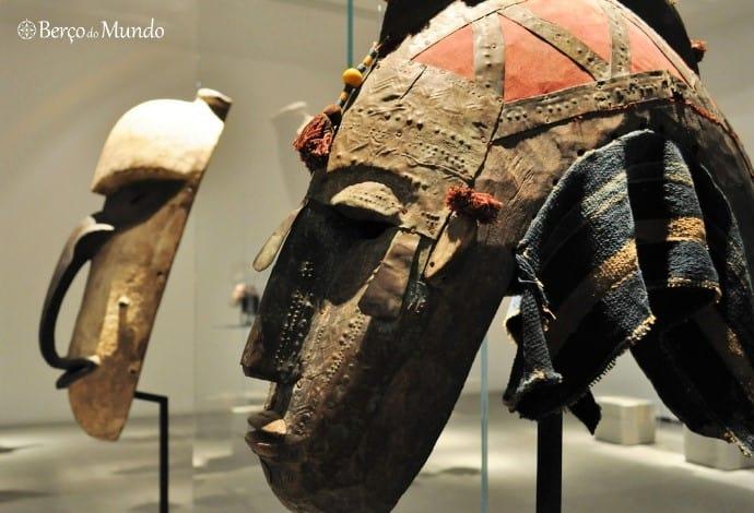 Máscaras africanas na Plataforma das Artes