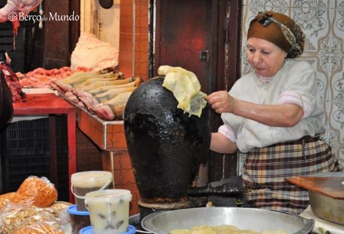 Mulher cozinha warka