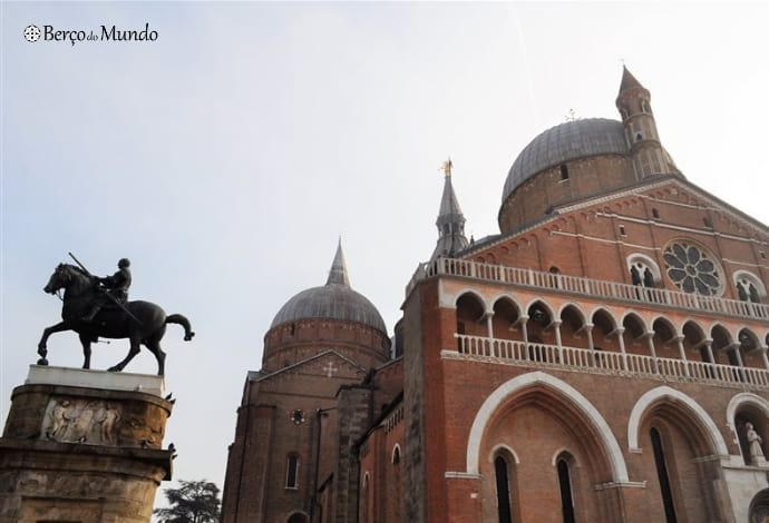 Exterior da Basílica de Santo António