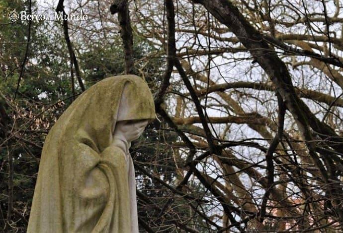 escultura rainha D. Amélia