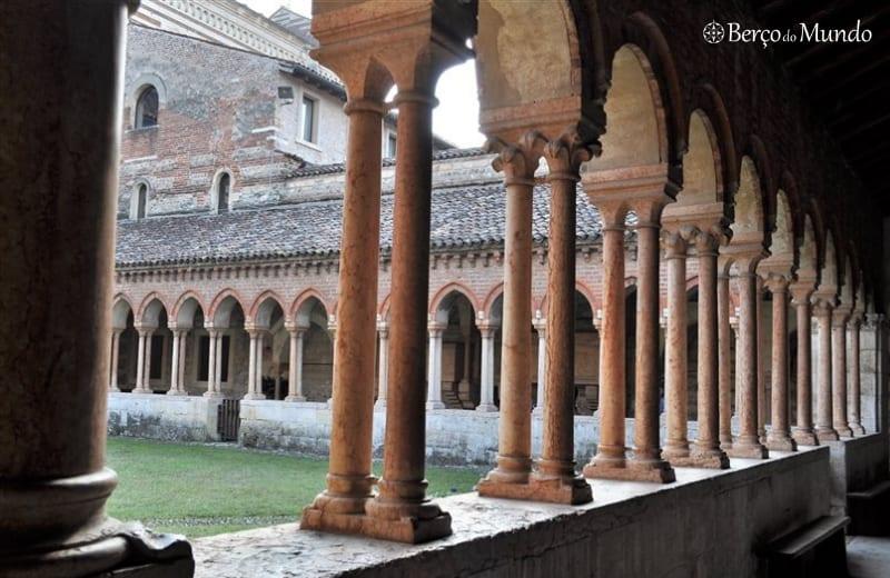 claustros da Basílica de San Zeno