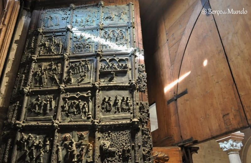 portas de bronze da Basílica