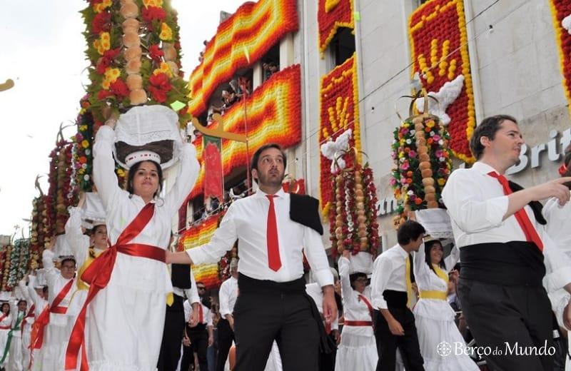 desfile de tabuleiros em Tomar
