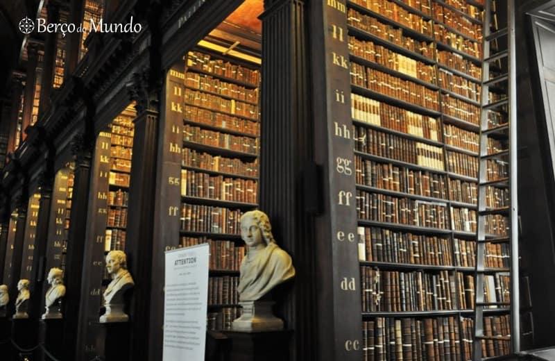 A seguir ao Book of Kells visite a Long Room