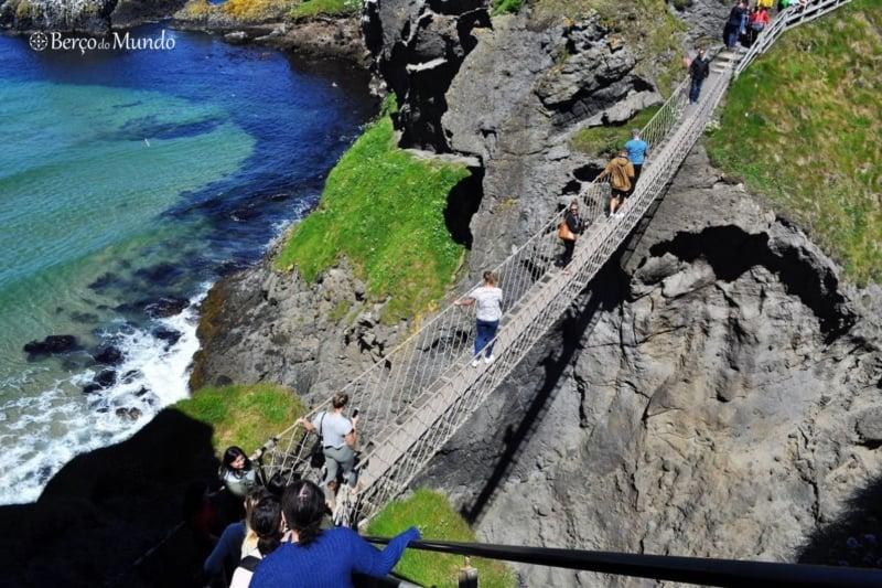 ponte de corda na Irlanda do Norte
