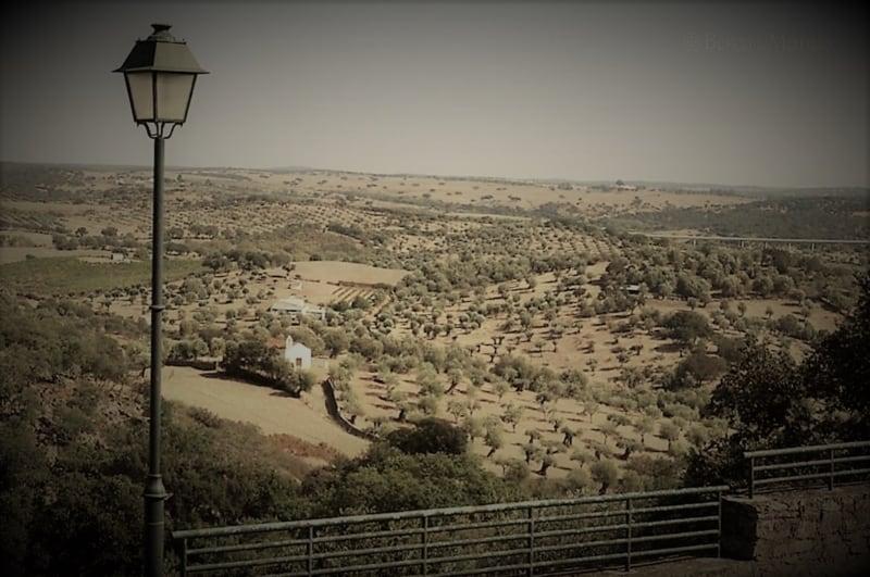 paisagem deste o castelo do Crato