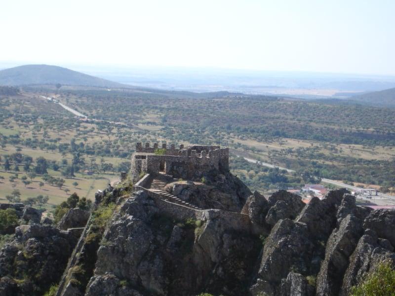 Ruínas de mais um castelo em Portugal