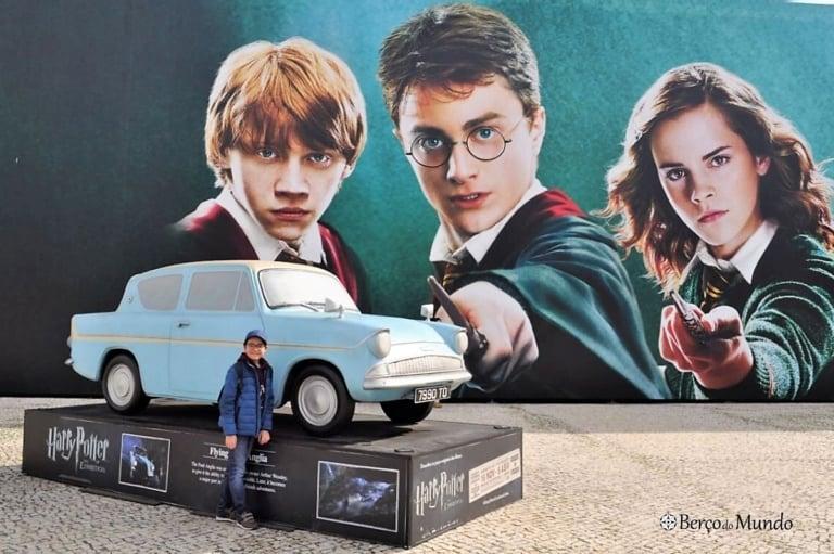 À porta da exposição Harry Potter