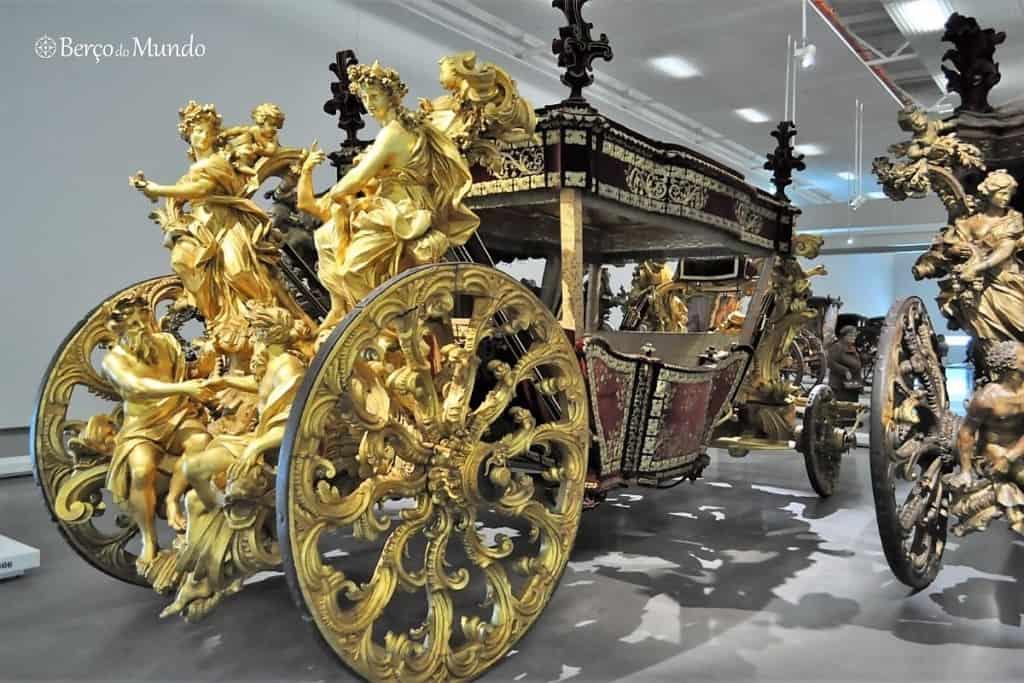 O Museu dos coches tem uma visita virtual completa