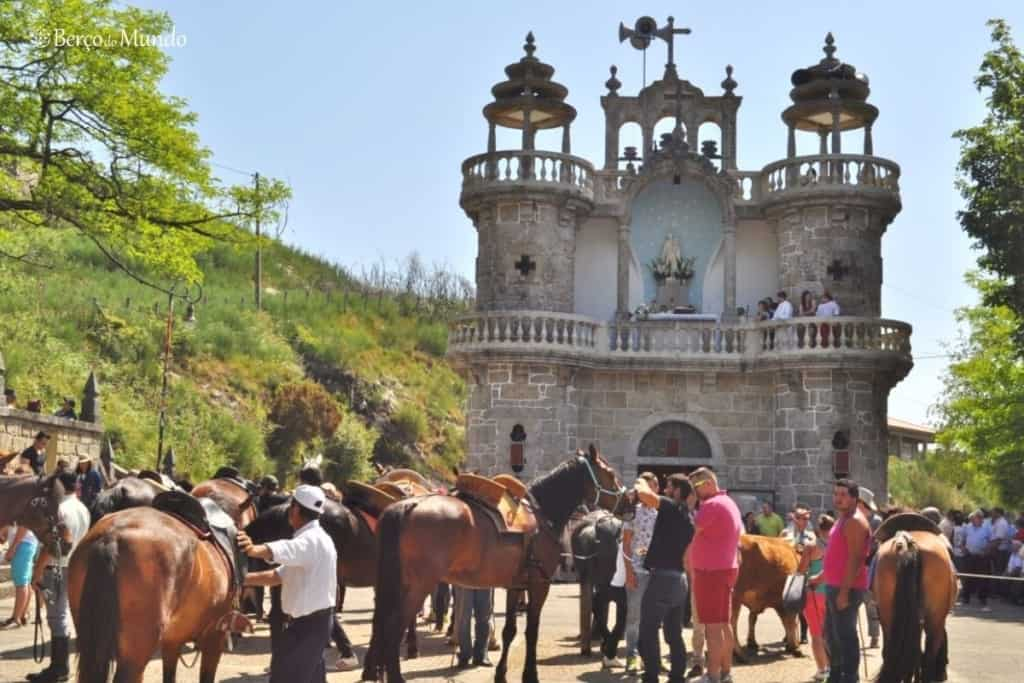 bênção dos animais na aldeia de Mixões da Serra