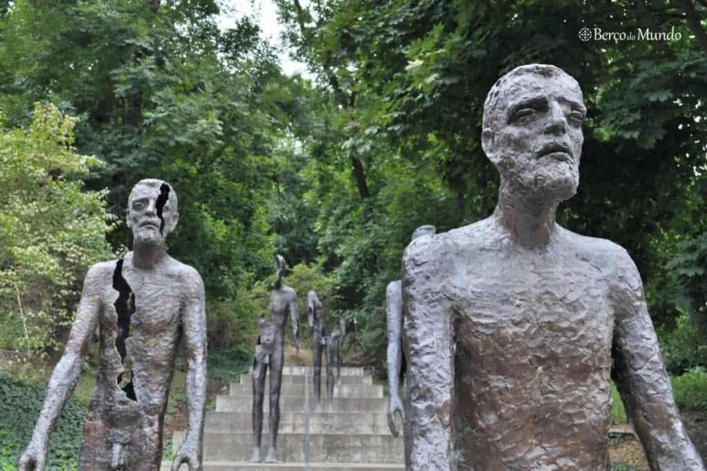memorial na colina de Petrin
